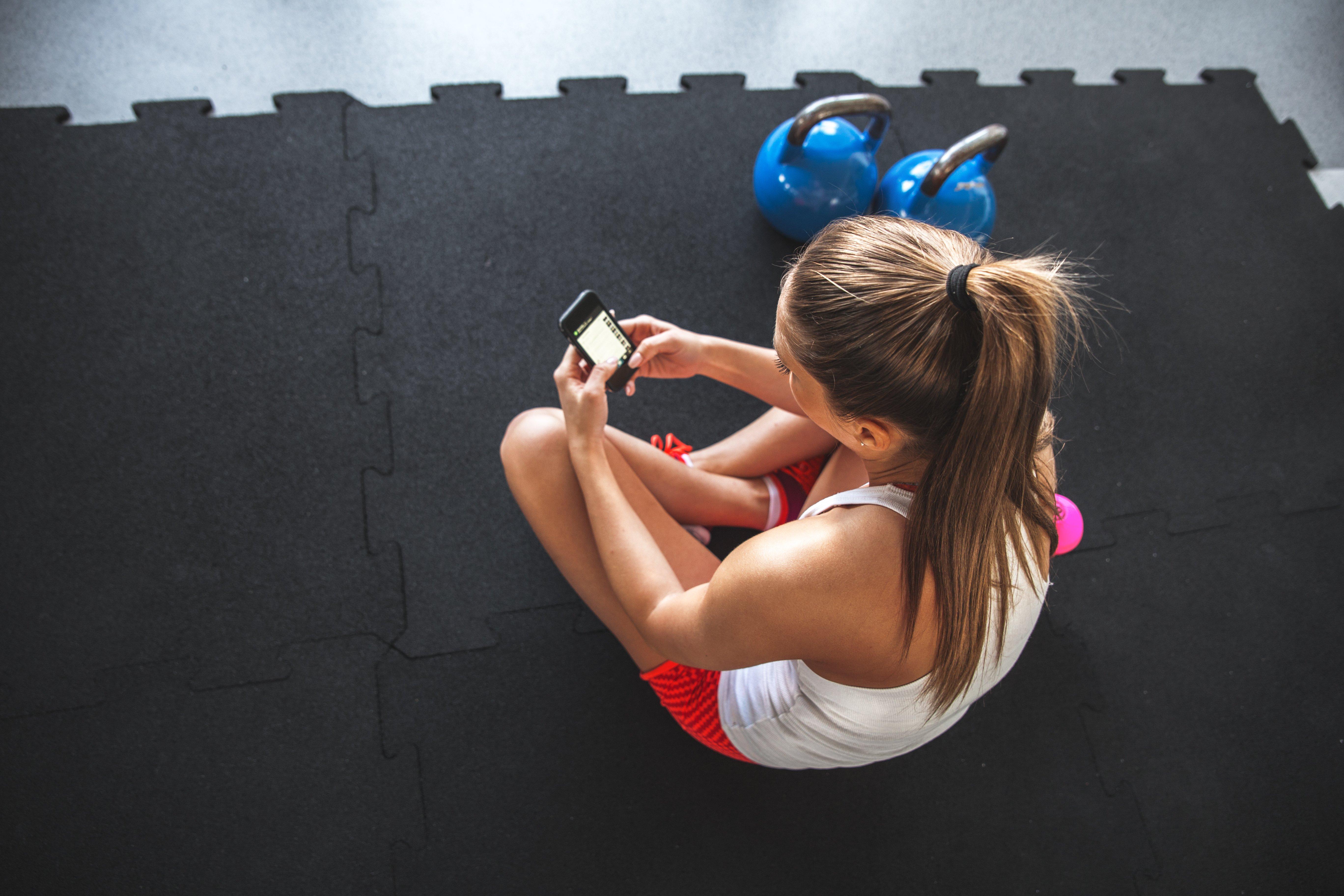 Rubber puxzzle jigsaw gym floor tiles